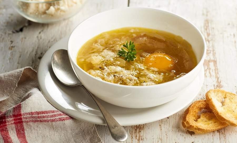 Sopa de cebolla extremeña