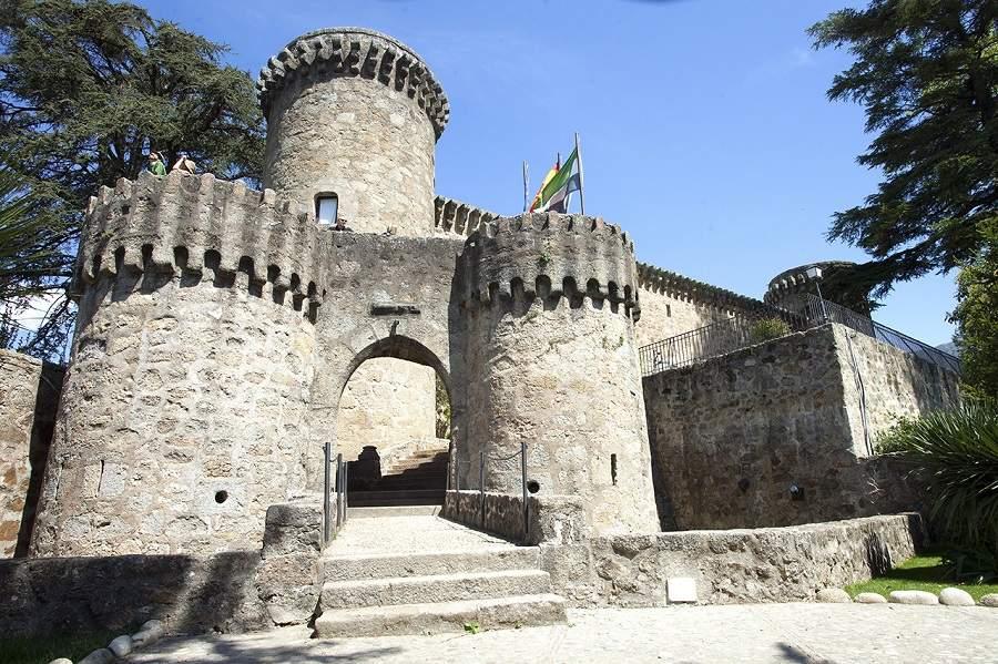 4 Castillos extremeños que debes conocer