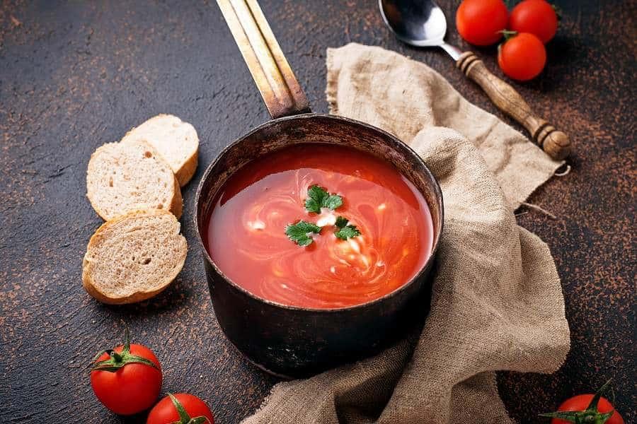 Receta tradicional de la sopa de tomate