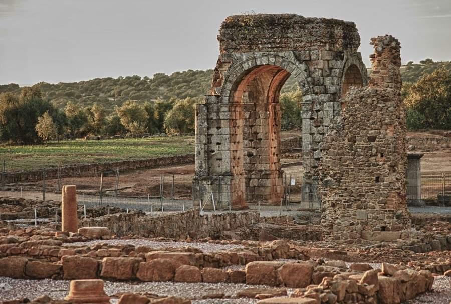 visita guiada por Cáparra